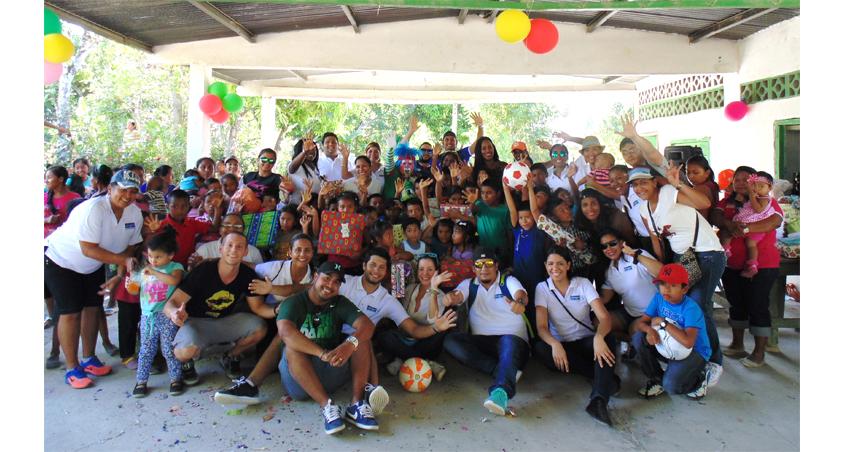 Alcogal celebra el Día de Reyes con los niños de la comunidad El Limón