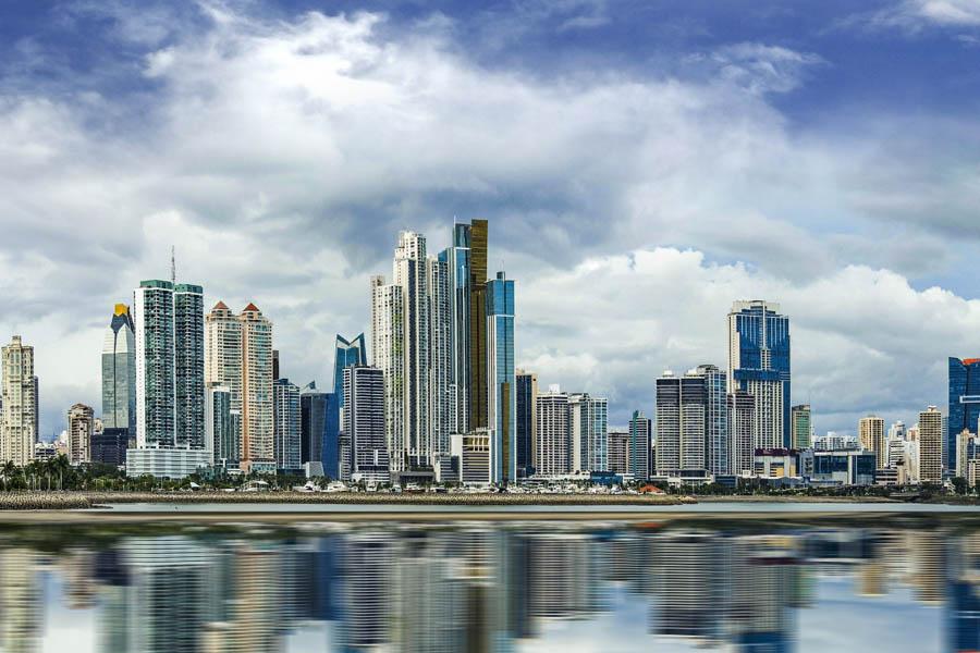Firma de abogados bancarios en Panamá - Banking law firm in Panama